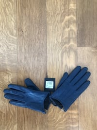Mackage leather gloves Hampstead, H3X 3E3