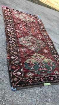 Brown, green, and red floral area rug Prairieville, 70769