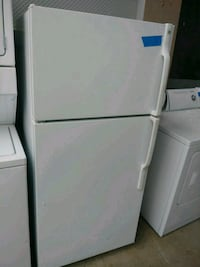GE top and bottom refrigerator working perfect Baltimore, 21223