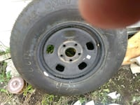 gray 5-lug vehicle wheel and tire Saint-Basile-le-Grand, J3N 1M3
