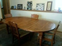 Dining Room Table PRICE REDUCED Zion, 60099