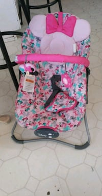 baby's pink and blue floral bouncer El Paso, 79924