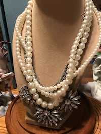 Pretty! Victorian Statement Pearl Necklace Gainesville, 20155