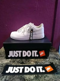 pair of white airforce1 sneakers with box Washington, 20024