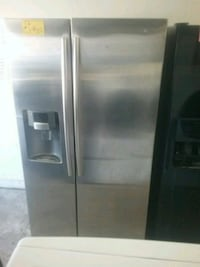 stainless steel side-by-side refrigerator with dis Los Angeles, 91402