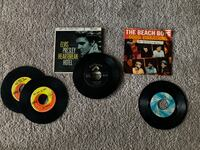 VINTAGE RECORD LOT - five Elvis Presley records, two The Beatles records, one The Beach Boys record, one The Rolling Stones record Stephenson, 22656