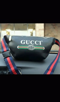 black and red Gucci leather bag 536 km