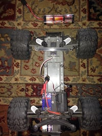 Traxxas Stamped RC Car null