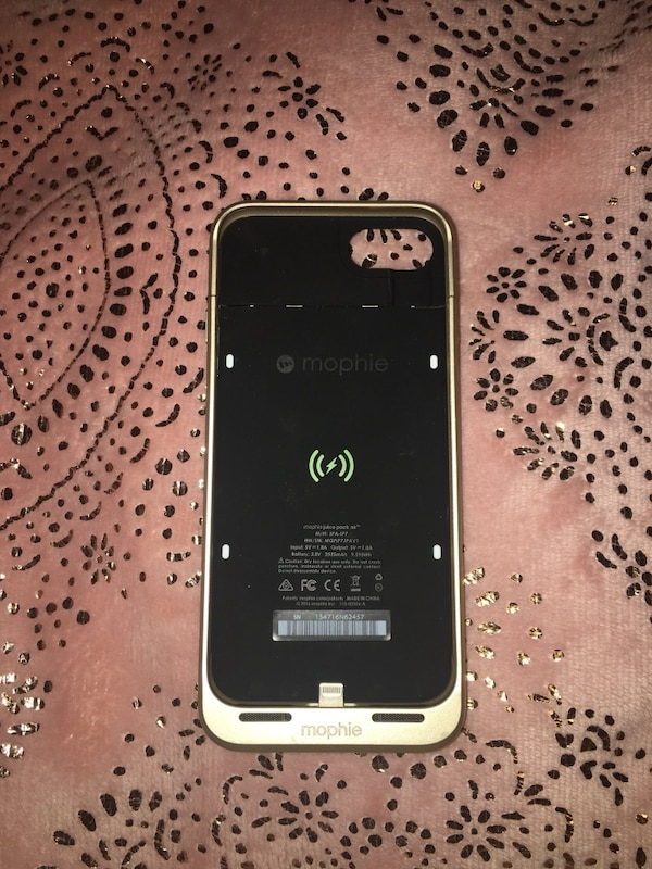 Morphie Charging Case (negotiable)