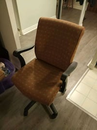 brown and black rolling armchair Toronto, M4W 2J2
