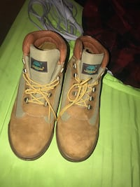 Timberlands size 11 Columbia, 21045