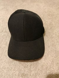 Wilfred Free hat perfect condition Vancouver