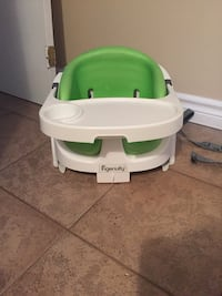 baby's white and green highchair Toronto, M3L 1L6
