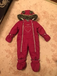 Carters snow suits size 12 months  Mississauga, L5B 0C8