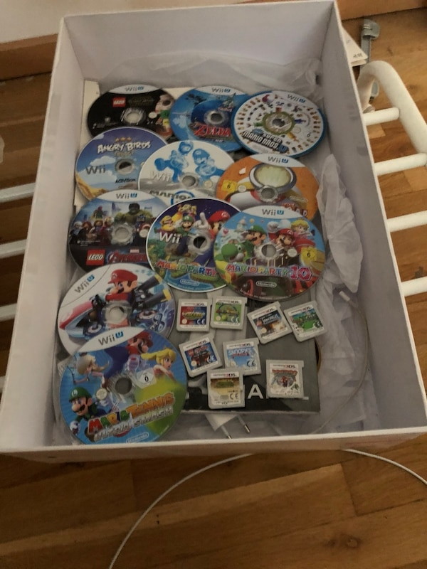 sortierte Nintendo Wii Game Cases