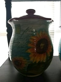 Susan Winget sunflower vase set collectables Manassas, 20109