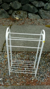 white metal clothes drying rack Tacoma, 98407