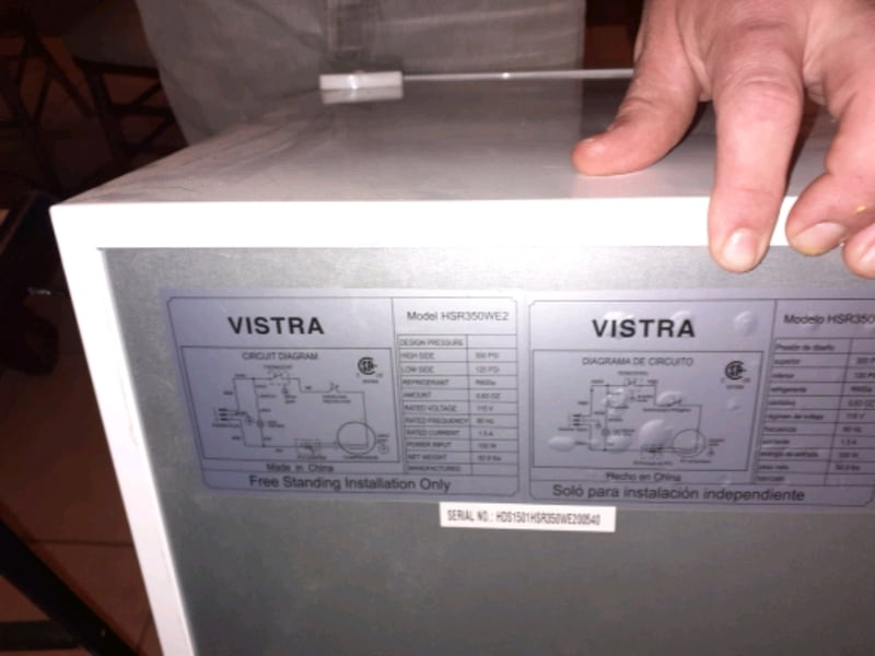 Vistra mini fridge  fa25c5ee-271f-44d4-814d-96845e7308f3