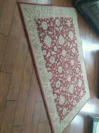 white and red floral area rug New Orleans, 70126