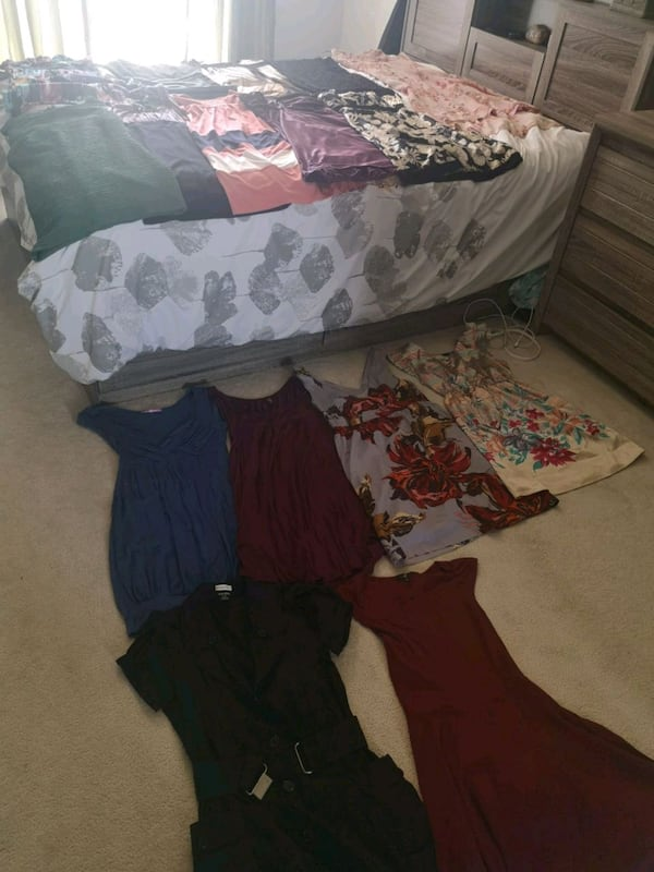 Dresses for sale! Willing to make a deal! e8698ca4-9c33-4d36-8c6e-276ec8dde68b
