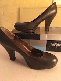 pair of black leather pumps Mount Carmel, 62863