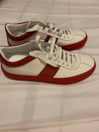 white-and-red low top sneakers Mississauga, L5R 0E4