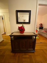Console cabinet with mirror