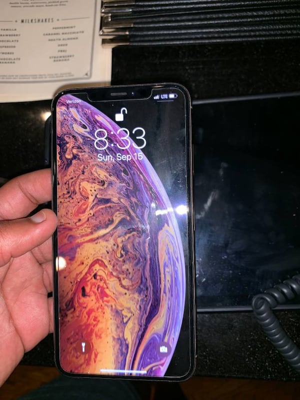 iPhone XS 0d882acb-3736-446d-b858-64f424067ba3