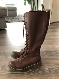 Dr. Martens 20 eye brown boots size 5 Toronto, M5A 0K7