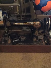 Black sewing machine Springfield, 22151