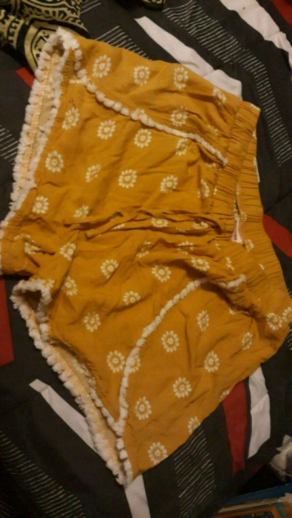 Short size s mossimo