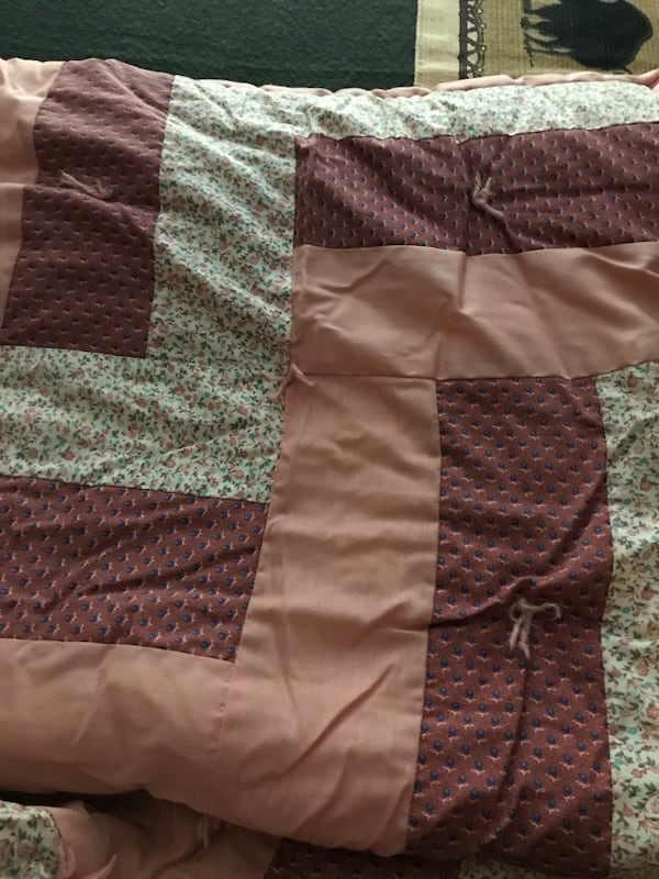 Amish Patchwork Quilts 3
