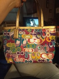 brown and red Coach tote bag New Castle, 40050