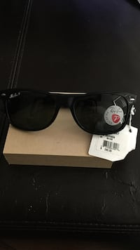 Brand new ray bans (Polarized)