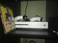White xbox one console with controller Woodbridge, 22191