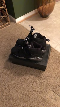 pair of black Air Jordan basketball shoes with box Fredericksburg, 22401