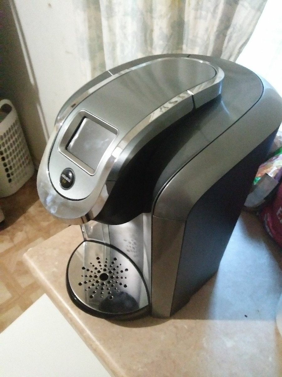 stainless steel and gray Keurig 2.0 coffeemaker - Lexington