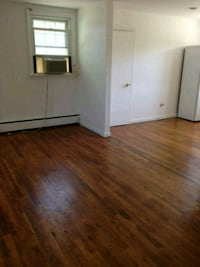 APT For Rent 1BR 1BA Bay Shore