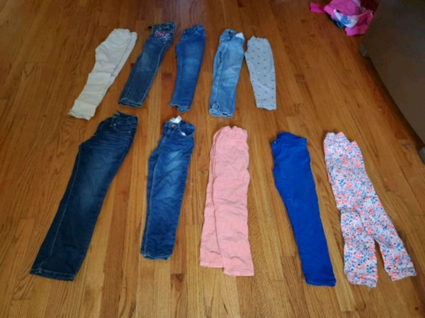 Girls size 7 pants and 7-8 tops lightly worn 33 pi