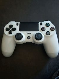 Like New PS4 Controller Portland, 97236