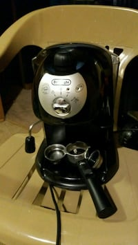 black and gray DeLonghi coffeemaker Winston-Salem, 27106