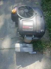 rider motor 420cc like new low hrs ready mount n go everything there  Des Moines, 50317