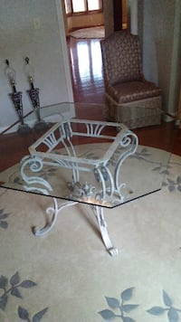 Dining room table and chairs Indianapolis