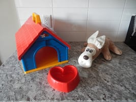 """*Vintage* 1986 Pound Puppies """"Pup Pad"""". House measures 11"""" x 10"""" x14"""", and Pup measures 19"""". *Please Note* The set is missing the bone :( Still in great shape for age, great to play with or Display :) $40 PU Morinville"""