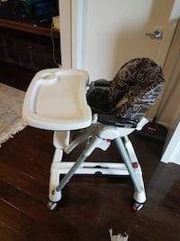baby's white and black highchair Coquitlam, V3B 2P7