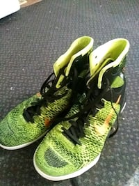pair of green-and-black Nike running shoes Redding, 96001