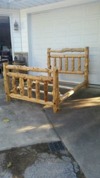 Log bed frame Manchester, 21102