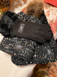 UGG hat and scarf and gloves set brand new