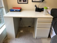 3 drawer/ 2 shelf Desk. 48 W x 25.875 L x 28.75 H 21 km