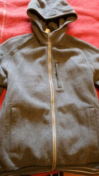 lululemon hoodie jacket mens or ladies size medium  Victoria, V8V 1T3